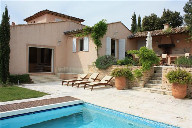Propriété avec piscine et garage sur le golf de Pont-Royal proche Aix en Provence