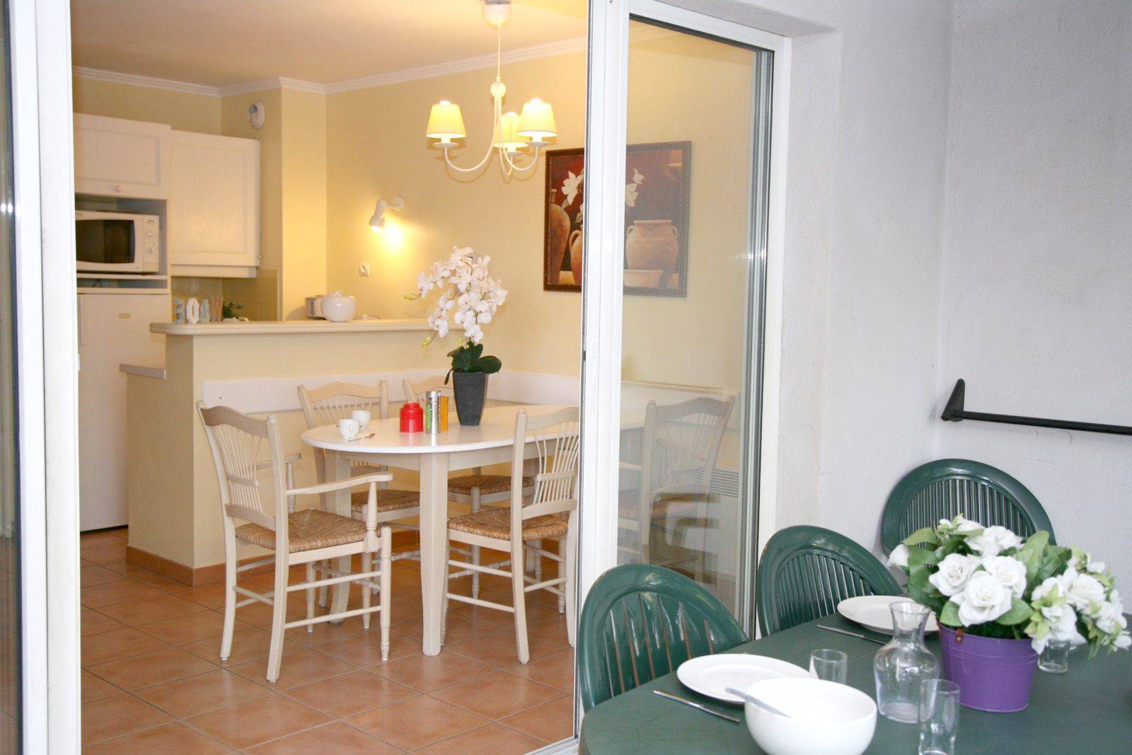 Appartement avec une chambre et un coin cabine belle vue dernier tage entre aix en provence et - Appartement avec une chambre ...