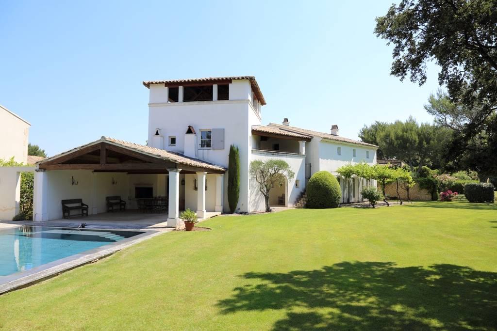 Immobilier de prestige golf de pont royal luberon john cheetham immobilier for Prestige immobilier location