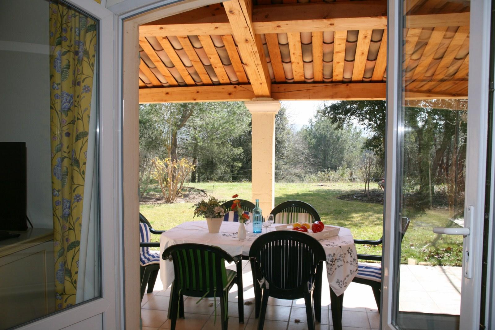 Villa de 5 chambres dans le domaine de pont royal entre for Le jardin des 5 sens aix en provence