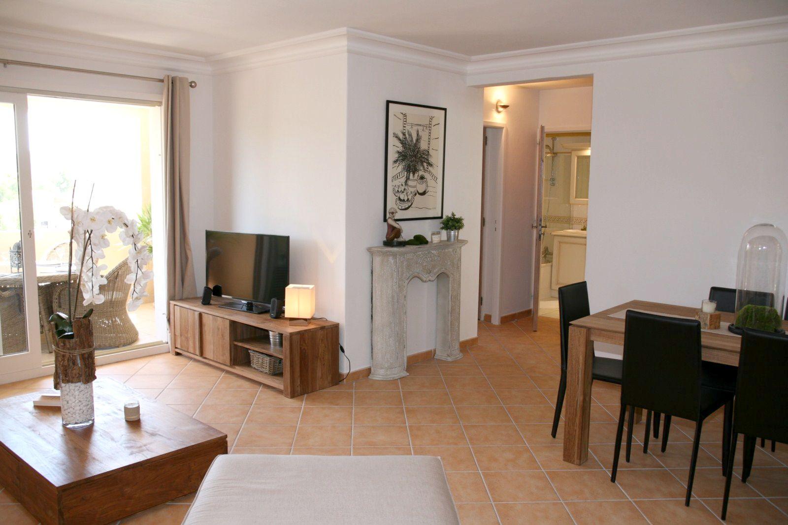 Appartement Contemporain Deux Chambres Belle Vue Domaine