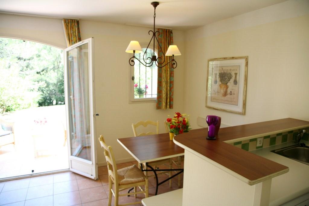 vente maisons et appartements de prestige golf de pont royal john cheetham immobilier. Black Bedroom Furniture Sets. Home Design Ideas