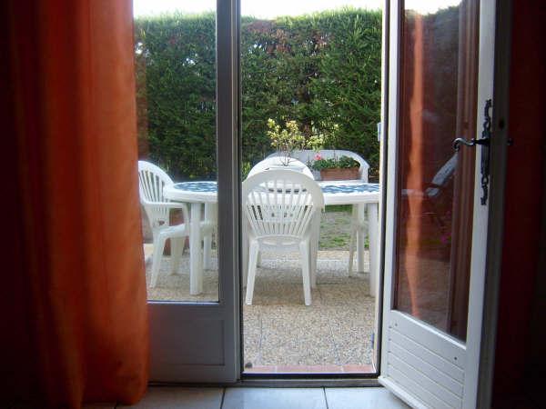 appartement rez de jardin T3 La Roque D'Anthéron belle exposition ,jardinet