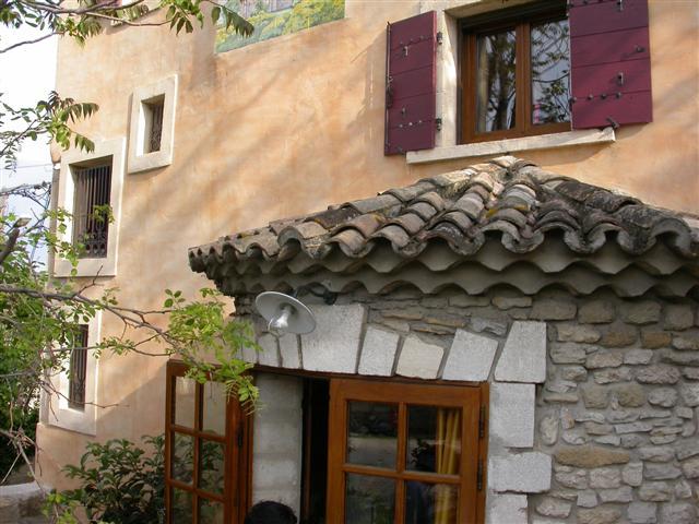 Eyguières Maison ancienne rénovée avec gout, lumineuse et pleine de charme