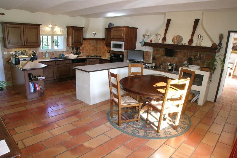 Magnifique propriété au coeur d'un golf en Provence et bergerie du 18ème siècle d'environ 400m²