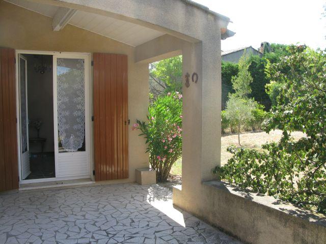 villa de plain pied avec jardin à Charleval