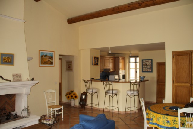 appartement dans le centre du golf de Pont Royal proche des commerces et de la vie du village