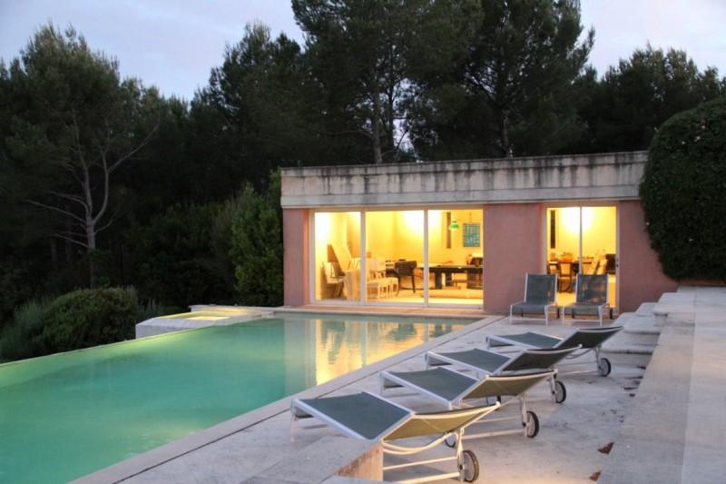 propriété exceptionnelle à Lambesc contemporaine et luxueuse de 370m² environ sur 1 ha