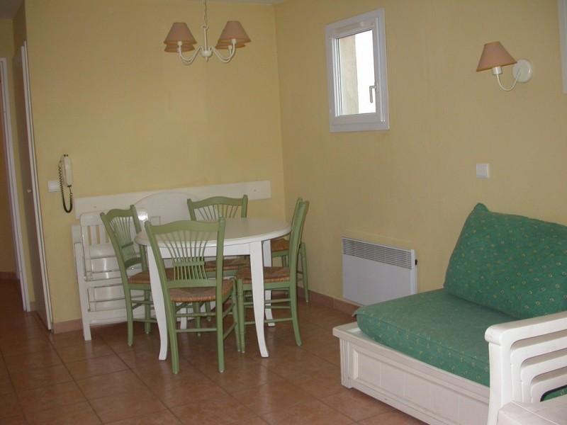 Appartement de deux pièces équipé, meublé, décoré dans le domaine du golf de Pont Royal