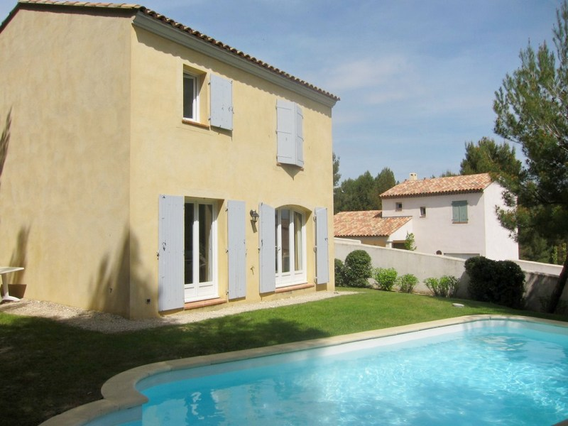 villa dans le domaine du golf de Pont Royal T4 avec piscine , garage