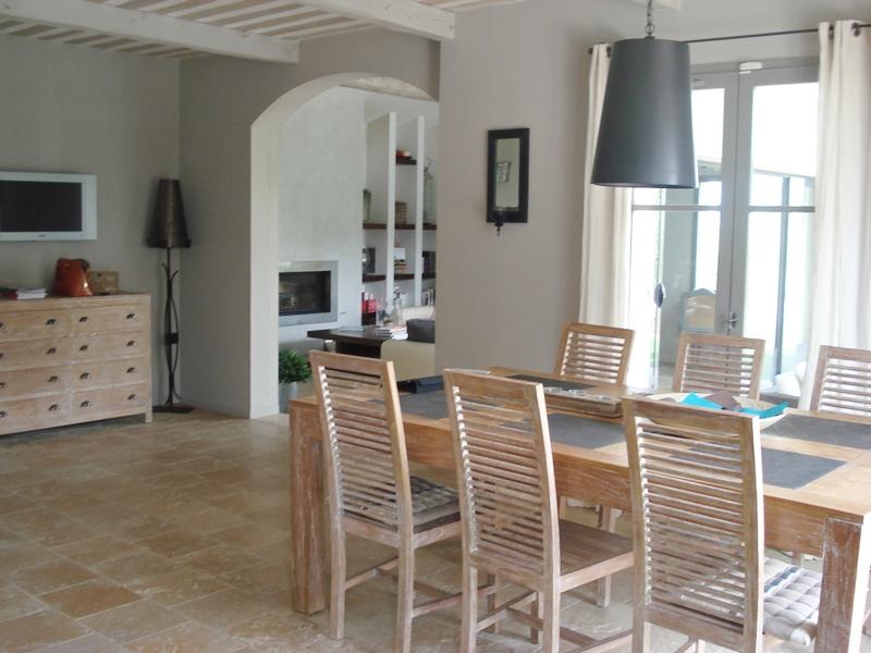 villa dans le domaine sécurisé du golf de Pont Royal quatre chambres, belle vue