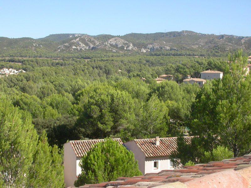 Appartement en duplex avec deux chambres proche gare TGV d'Avignon spacieux,belle vue Luberon