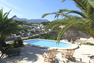 Ventes belle villa en espagne dans une r sidence gandia for Carrelage piscine espagne