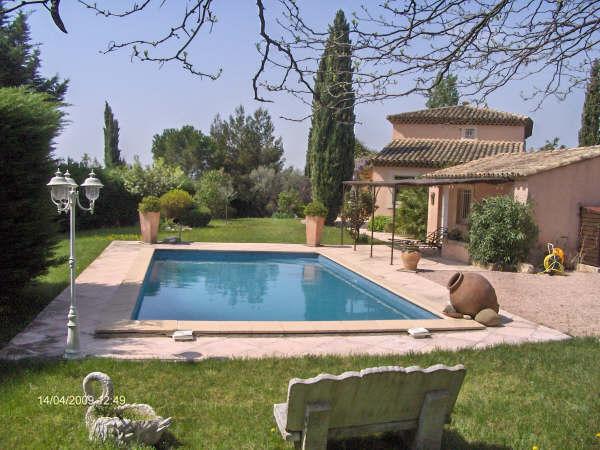 Villa de 137m quelques kms d 39 aix en provence tr s belle for Camping aix en provence avec piscine