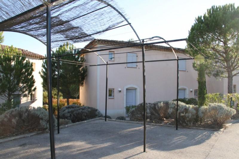 villa dans le domaine du golf de pont royal john. Black Bedroom Furniture Sets. Home Design Ideas